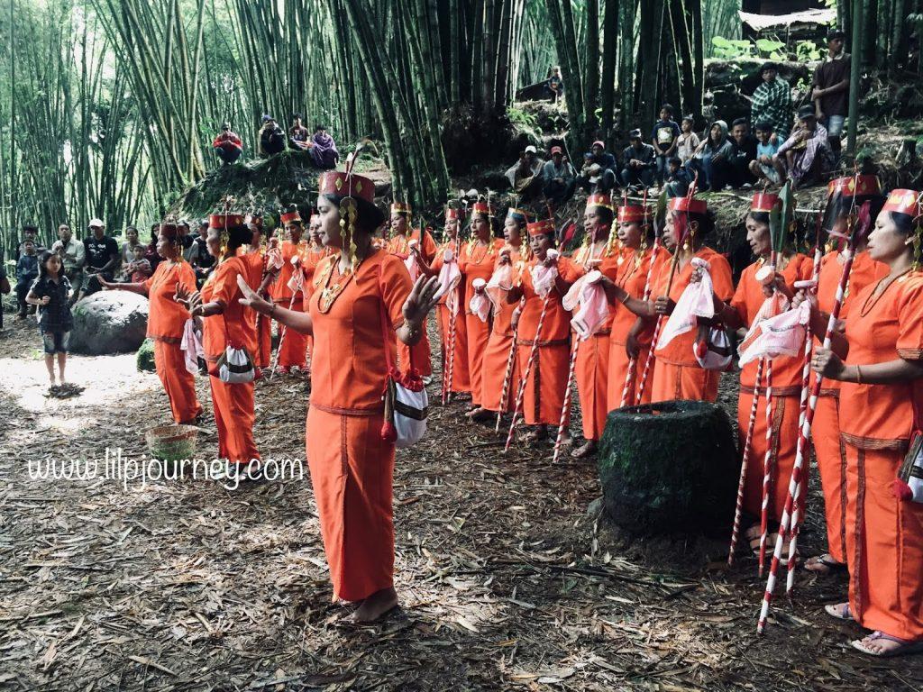 pasar hutan bambu toraja