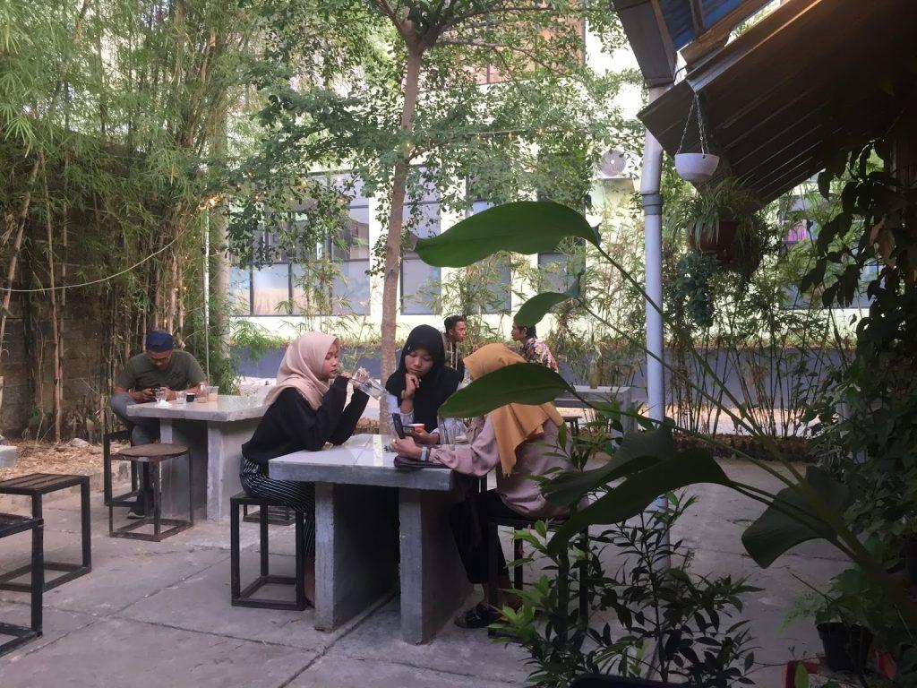 outdoor Rene Coffee